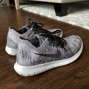 Men's Nike Free Run Flyknit Shoe